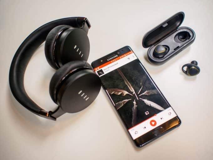 подключить Bluetooth наушники к смартфону
