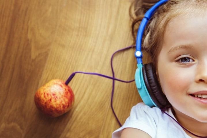 влияние наушников на детей и подростков