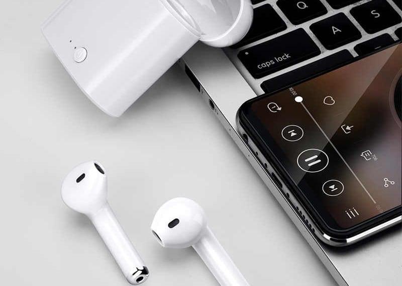 подключить TWS-гарнитуру к телефону или ПК