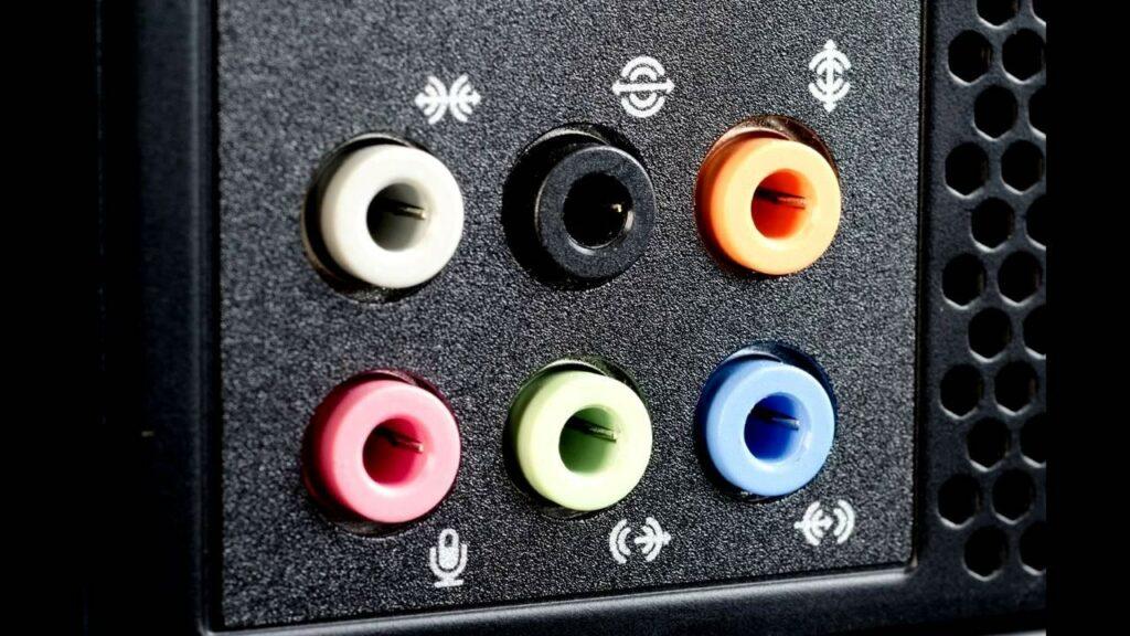 Как включить микрофон на ПК или ноутбуке для записи звука
